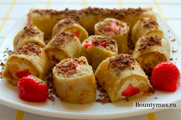 Сладкие роллы с творожно - фруктовой начинкой
