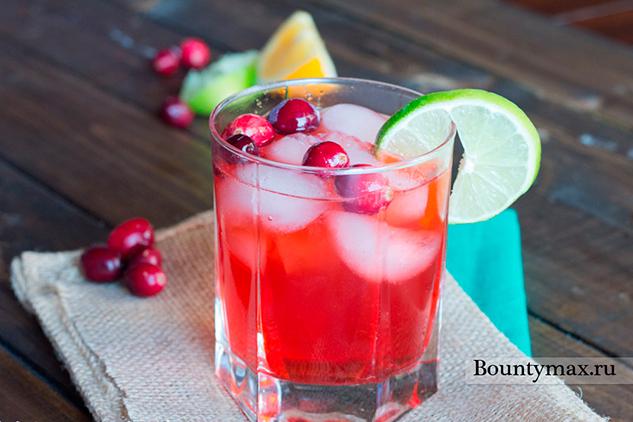 Клюквенный коктейль с водкой и апельсиновым соком