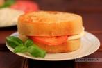 Бутерброды с сыром и помидорами