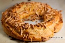 Заварные пирожные кольца с орехами
