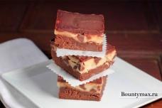 Трехслойные шоколадные пирожные