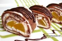 Шоколадные роллы с персиковой начинкой