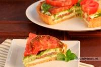 Пирог с свежими помидорами и сыром