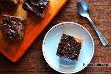 Шоколадные пирожные с грецкими орехами