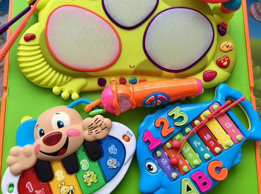 Какие игрушки интересны детям