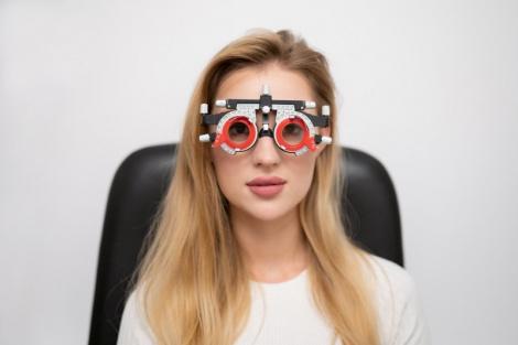 Как правильно выбрать контактные линзы при дефекте зрения?
